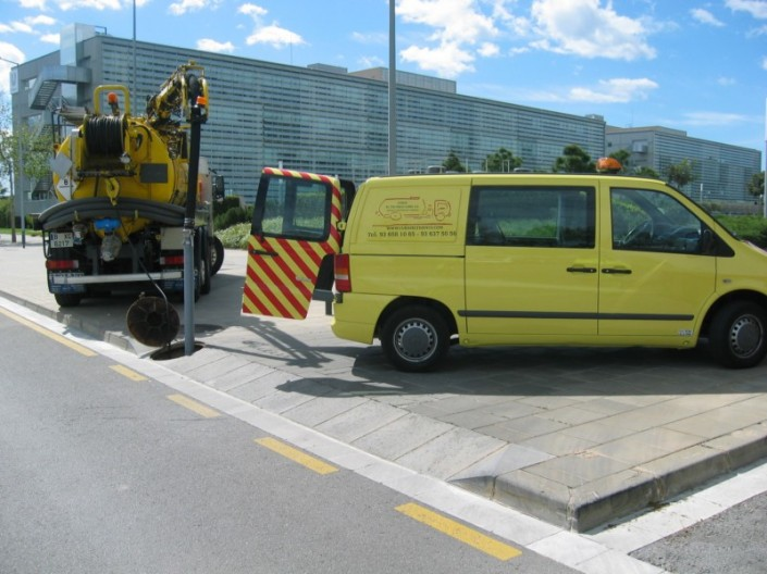 vehículos desatascos barcelona