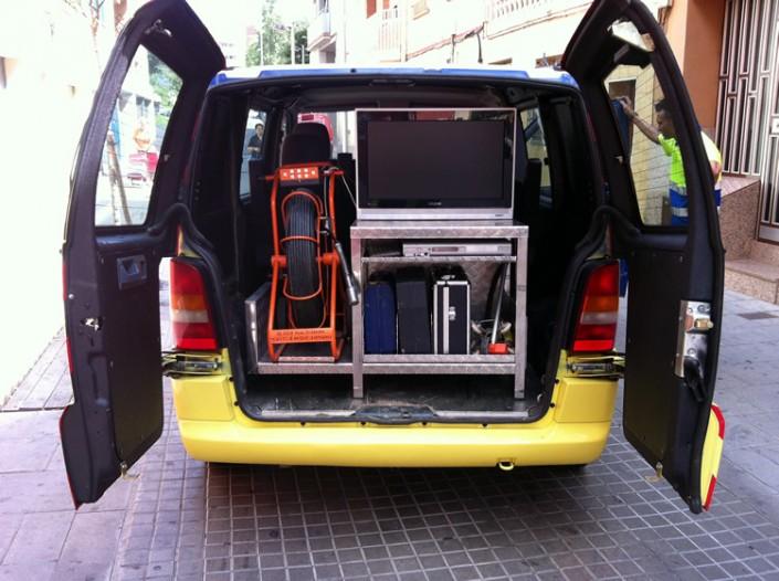furgoneta material organizado