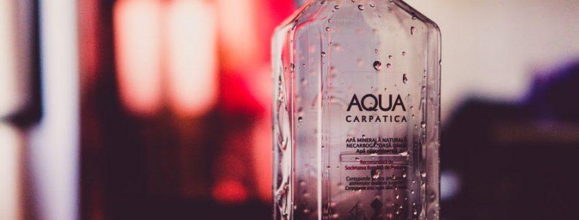 botella de agua rellenable